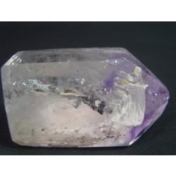 자수정 과 결합한 티타늄
